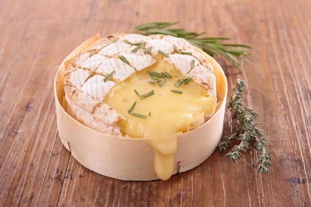 camembert-cuit enceinte