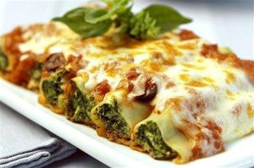 lasagnes-ou-cannelloni-au-fromage-et-aux-epinards enceinte